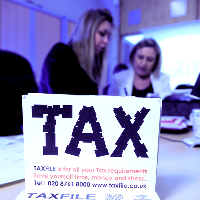 Tax return help & accounting advice for taxi drivers, cabbies, cab firms, couriers, limos and private hire firms. We're accountants in Tulse Hill, South London, SE21.